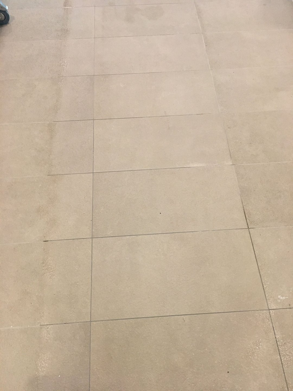Beltéri greslap takarítása Rotowash takarító géppel