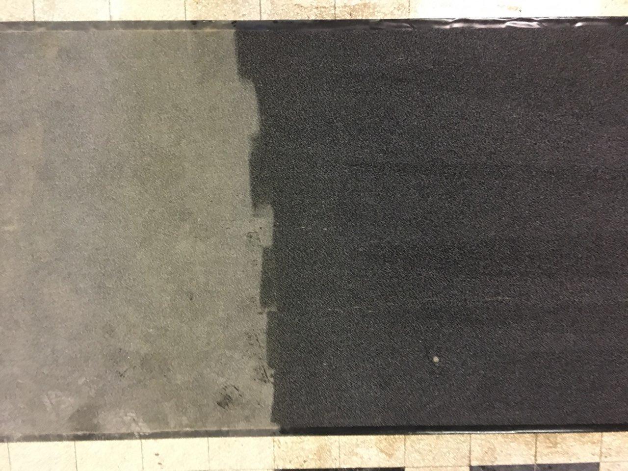 Belépőszőnyeg tisztítása csapvízzel Rotowash szőnyegtisztító géppel